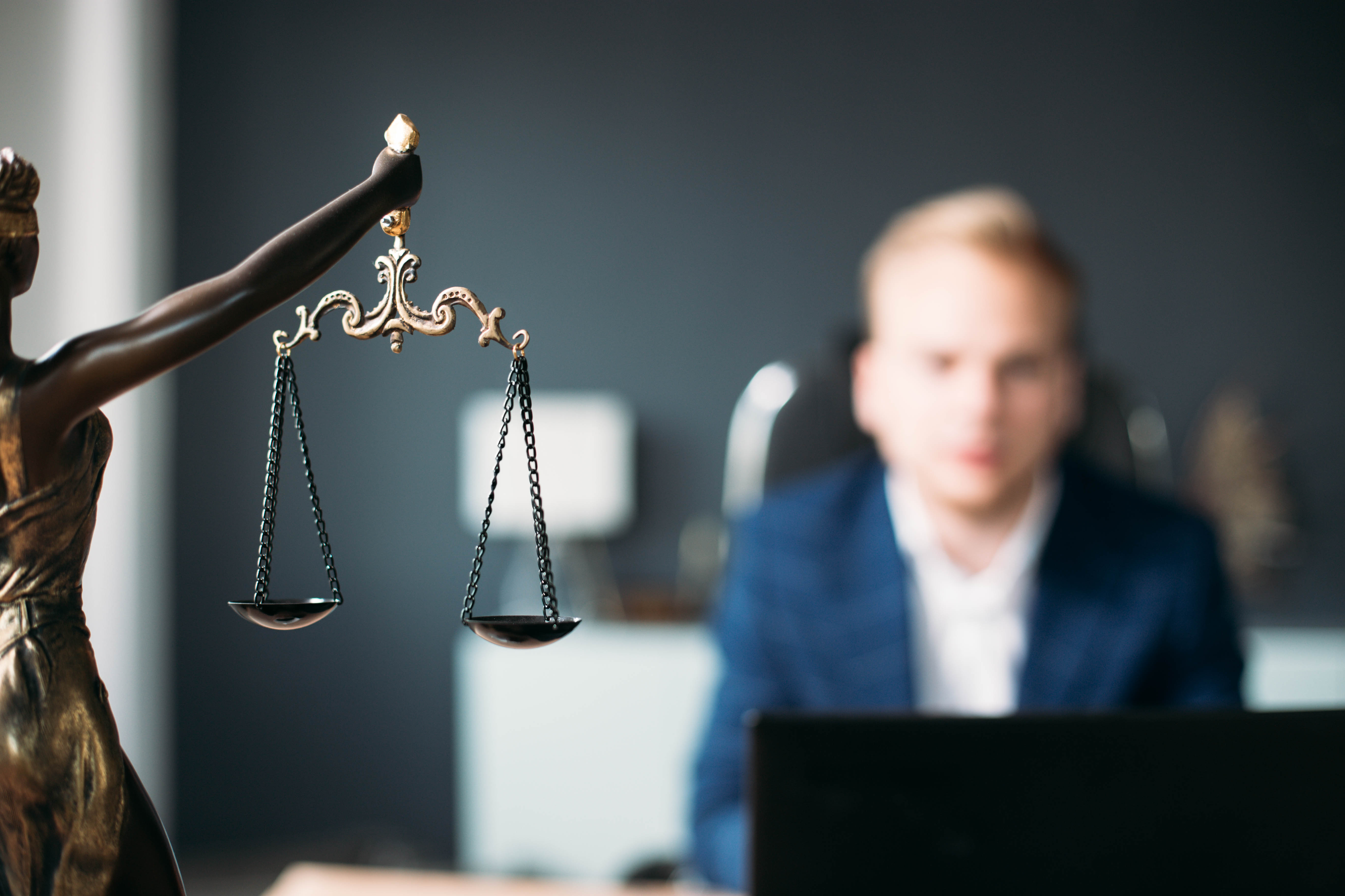 cms/images/new--anwalt-anwaeltin-gehalt/Anwalt.jpg